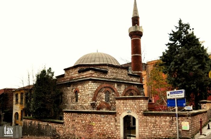 Ahırkapı Ishak Pasa Camii