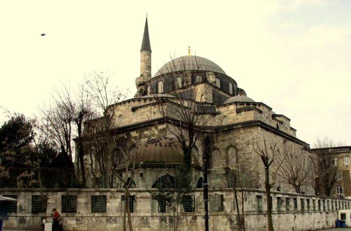 Divanyolu Atik Ali Pasa Camii