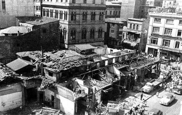 …Karaköy Meydanı Yıkımları