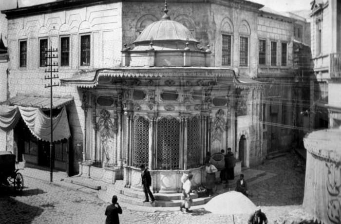 Eminönü Hamidiye Caddesi